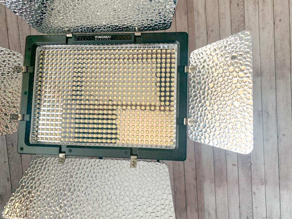 Yongnuo YN-600 LEDビデオライト